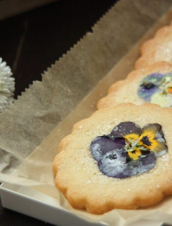 cookies-pressed-flowers