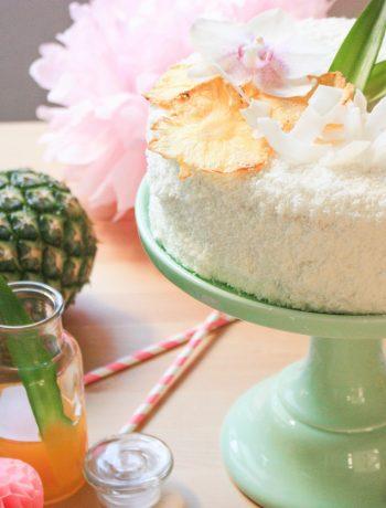 Piña colada angel cake