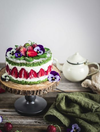 spinach_strawberry_cake-10